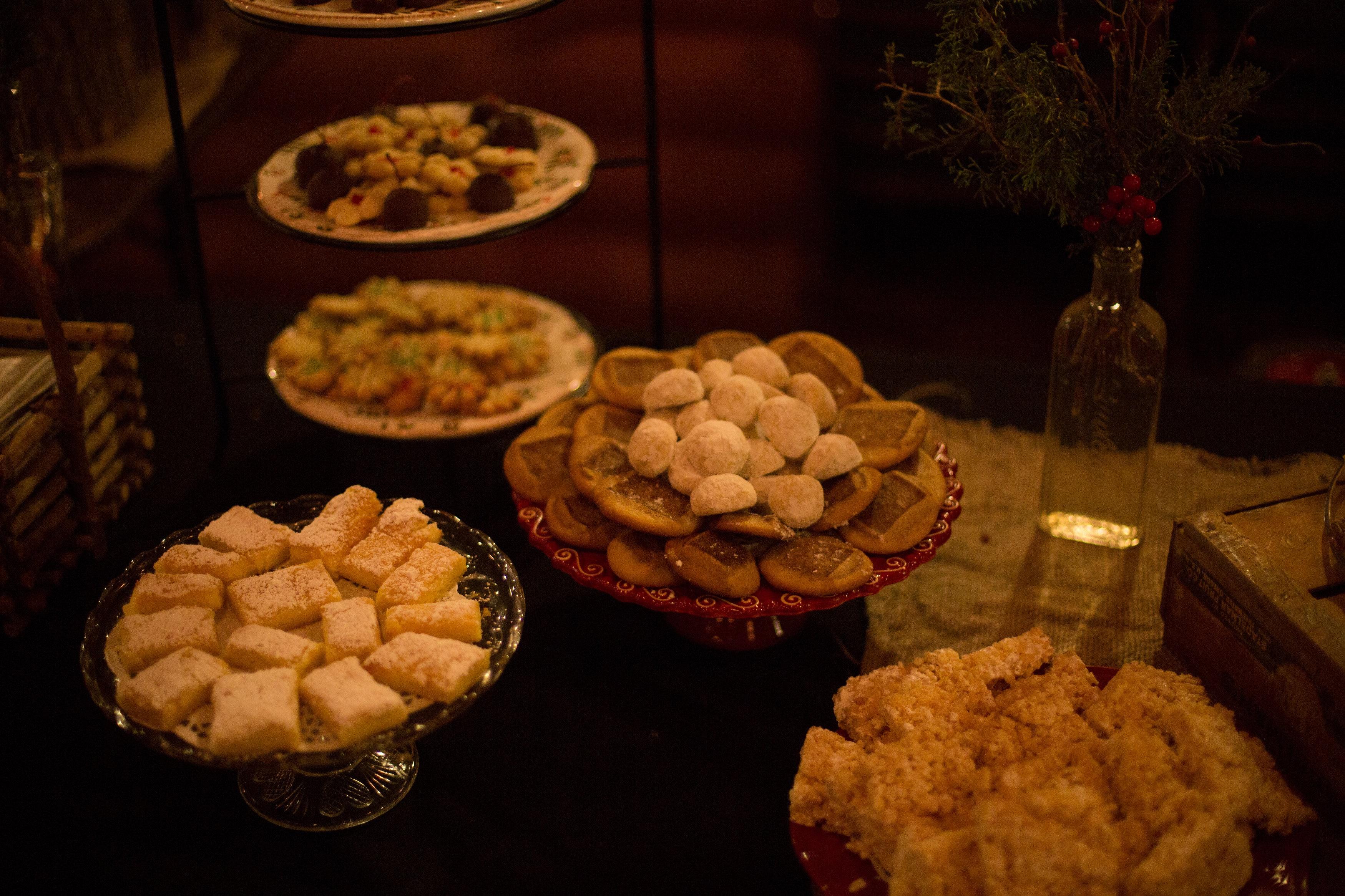 ActingOutChristmas-5 more cookies